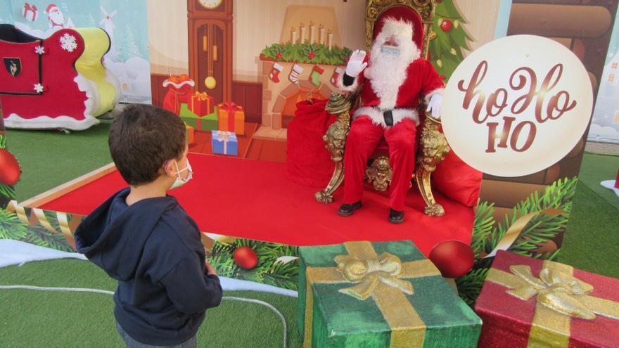 Papá Noel no defraudó en Cangas de Onís