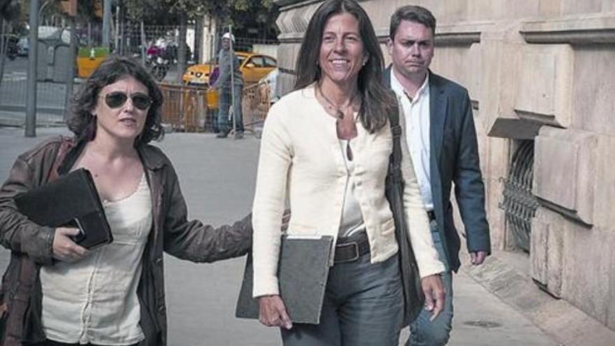 Imputada la mujer de Oriol Pujol para que aclare su papel en las cuentas de Andorra