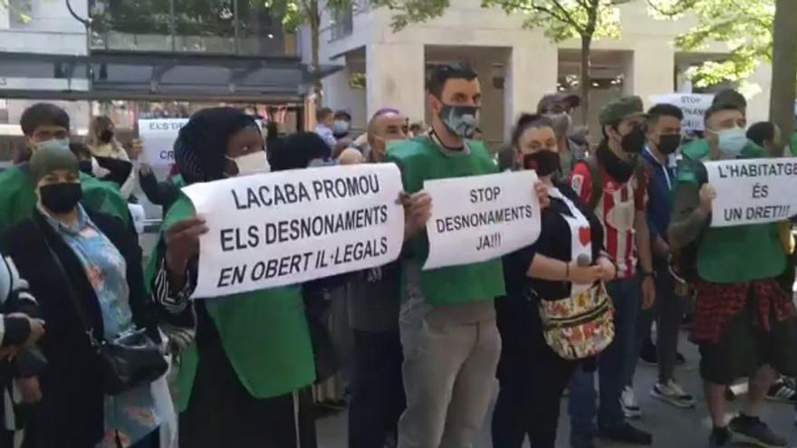 La PAH Girona-Salt clama contra els desnonaments en obert