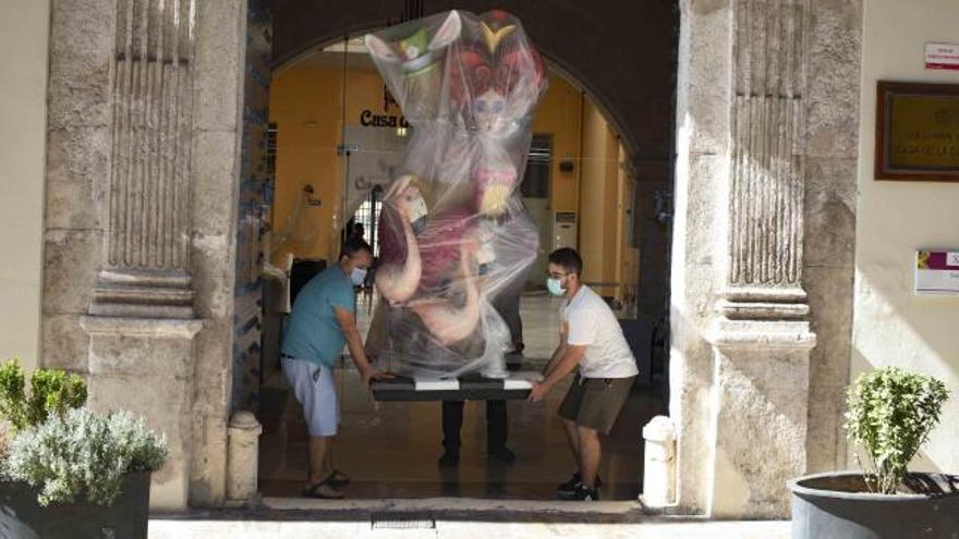 """Las fallas de Xàtiva recuperan sus """"ninots"""""""