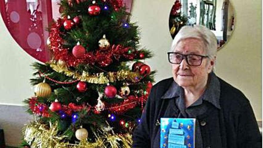 La centenaria Socorro Vicente gana un concurso de postales