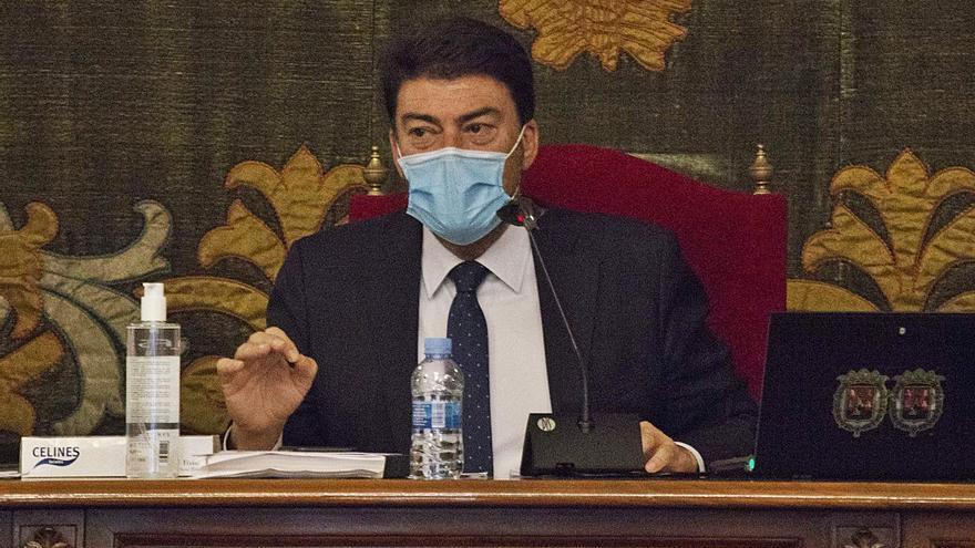 Barcala desoye al Síndic: bloqueará las mociones que no avale el secretario