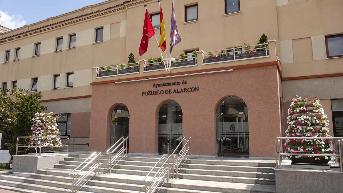 Fachada del Ayuntamiento de Pozuelo de Alarcón.
