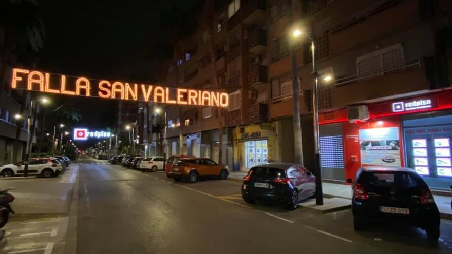 Sant Valerià de Torrent enciende la primera iluminación fallera de 2021