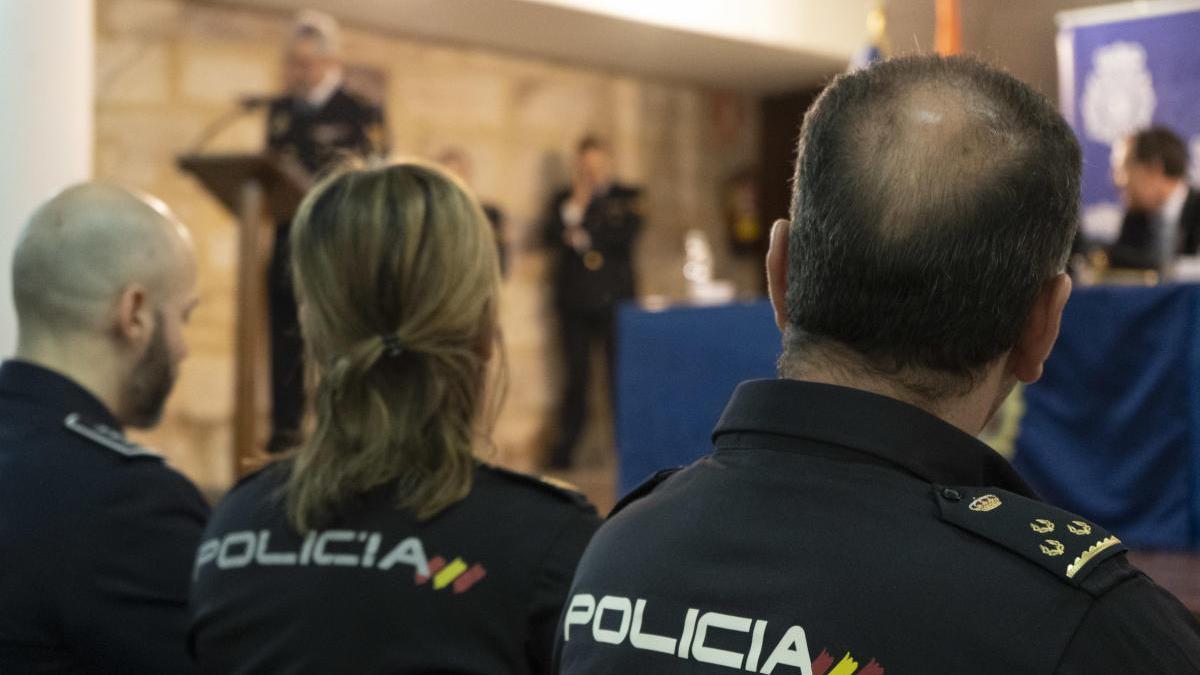 Policías nacionales de Zamora.