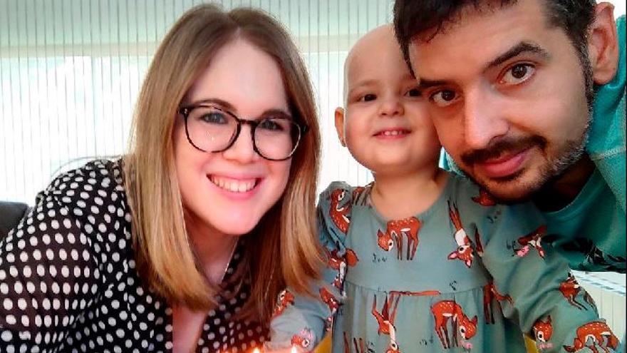 La familia de Abril, en Nules, logra el permiso total para cuidarla