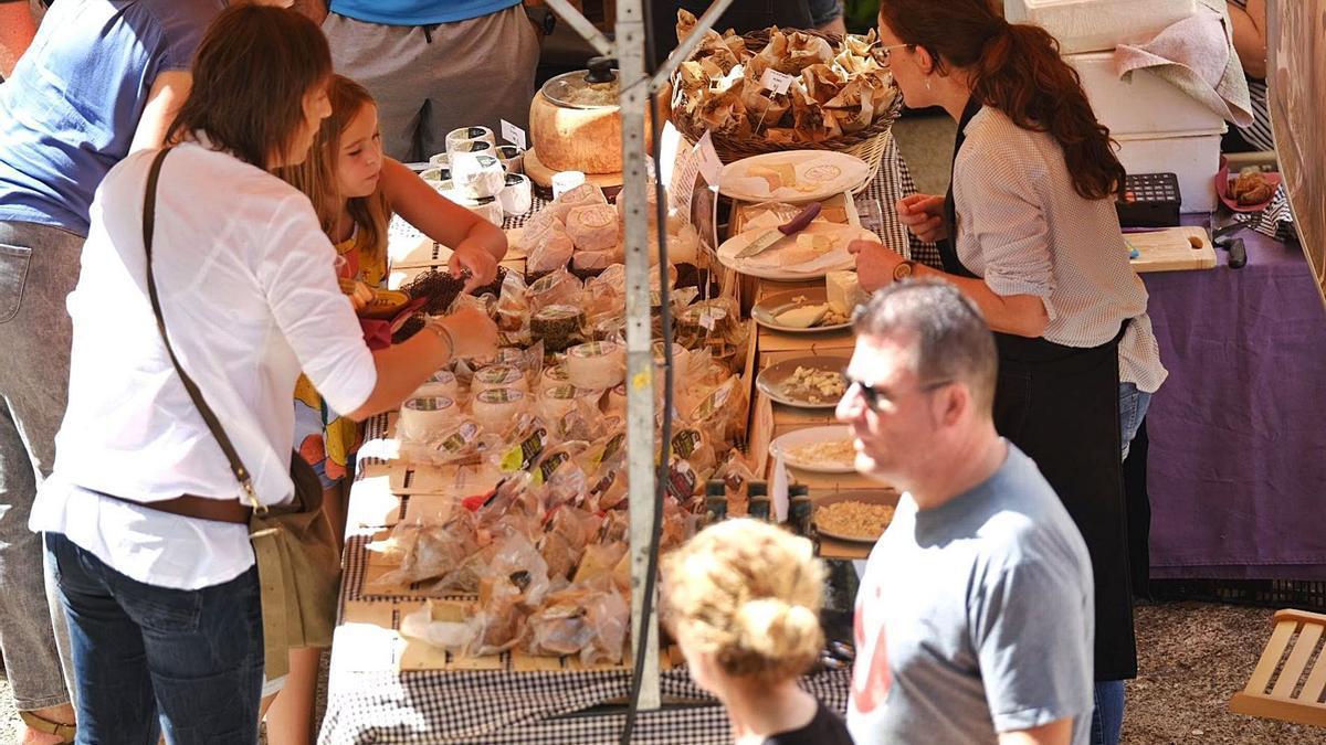 La Fira de Lladó torna aquest diumenge a la plaça Major, després d'un any d'absència