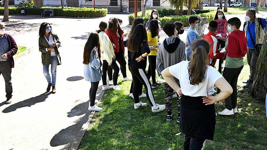 Paseo estudiantil por la botánica de Villa Amparo