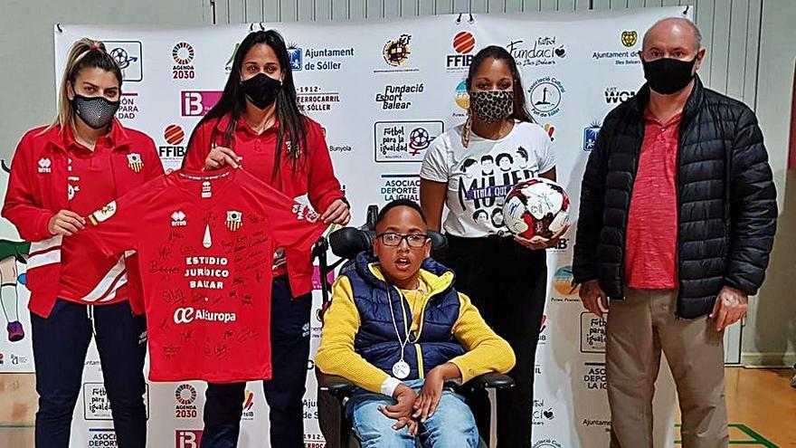 Emy Maduka consigue los 25.000 euros para su silla