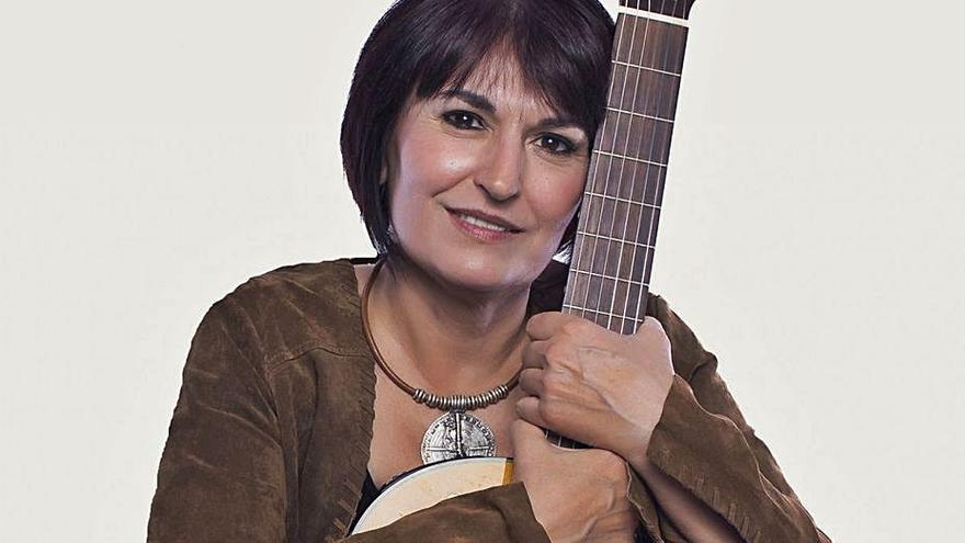 """""""Amb veu de dona"""", les cantautores valencianes a l'escenari de l'Octubre CCC"""