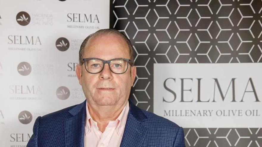 El aceite del empresario alicantino Joaquín Selma logra la medalla de plata en los Premios Global Olive Oil de Berlín