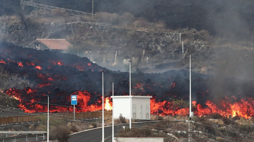 Impresionantes imágenes del derrumbe de una casa en La Palma
