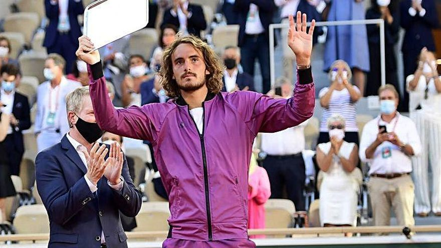 Tsitsipas jugó la final de Roland Garros tras enterarse de la muerte de su abuela