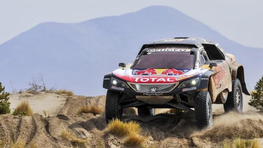 Retiran la penalización de 10 minutos a Carlos Sainz en el Rally Dakar