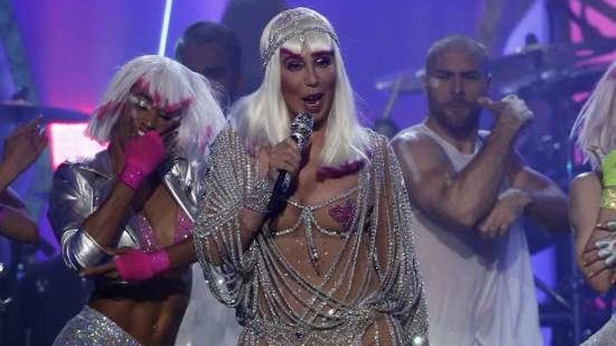Cher lanzará un disco con los grandes éxitos de ABBA cantados por ella