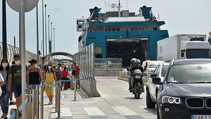 Las navieras sufrieron una caída de pasajeros del 75% en Semana Santa