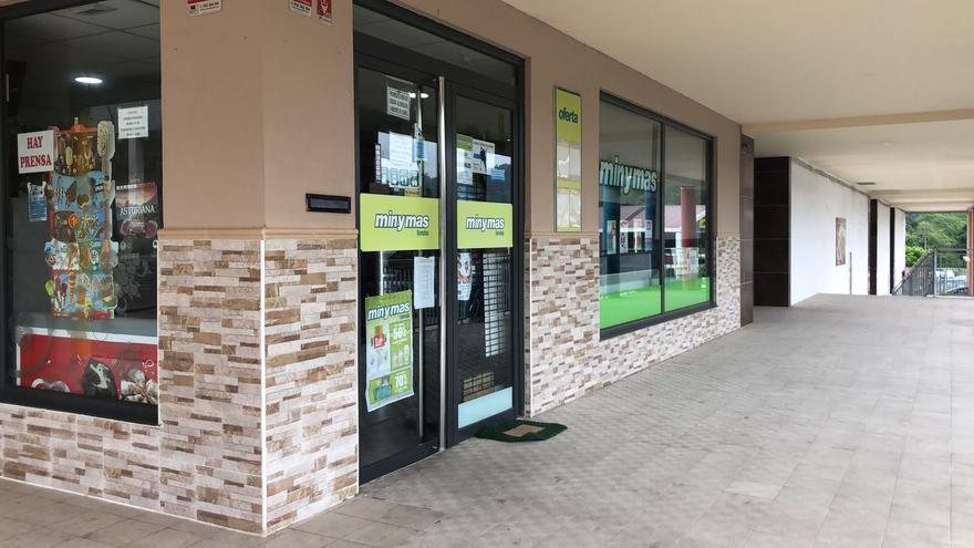 El atracador del supermercado de Siero tenía antecedentes y era conocido en la zona en la que llevó a cabo el robo