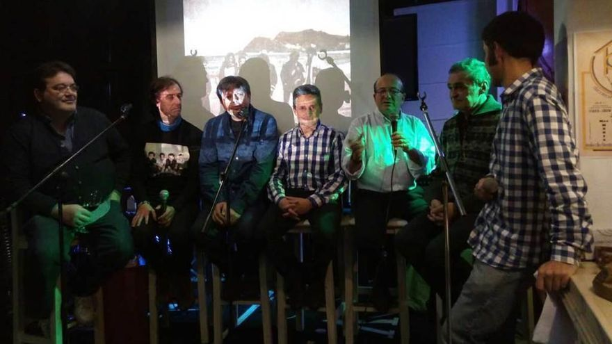 """La música de """"Xirón"""" vuelve a sonar en Arriondas más de dos décadas después de su disolución"""