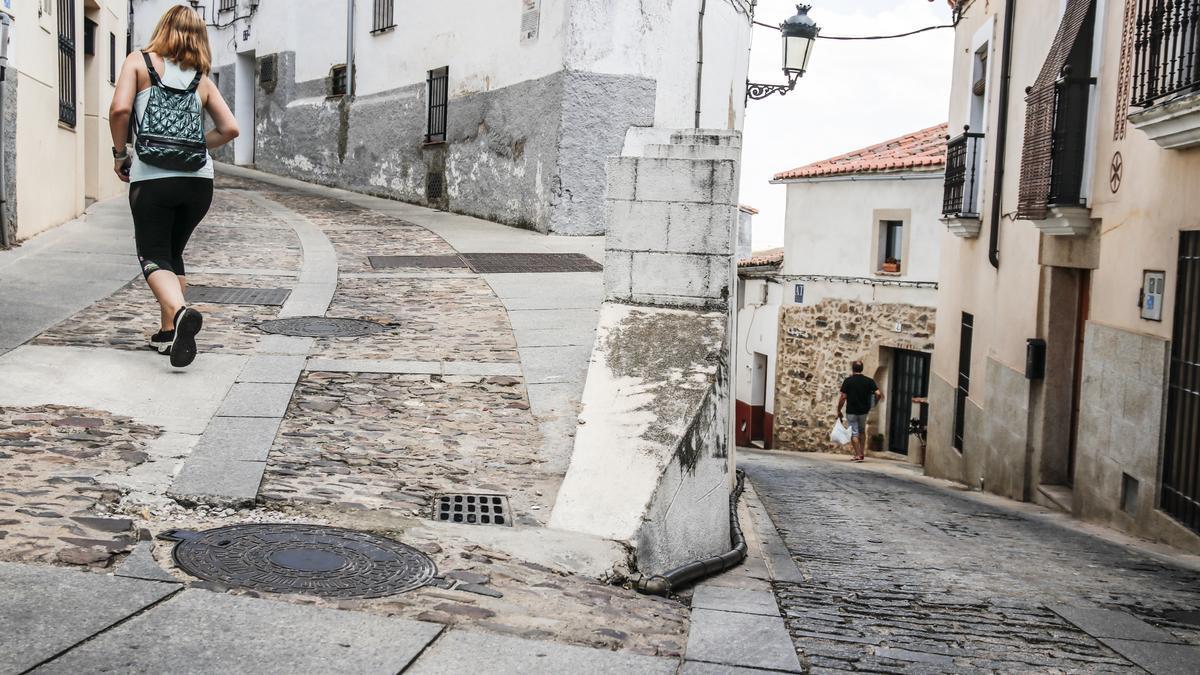 El ayuntamiento aprueba su mejora y la de Ribera de Curtidores