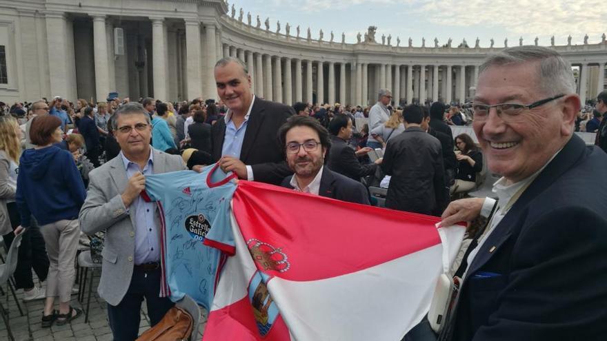 Emotivo encuentro de la Coral Casablanca con el Papa