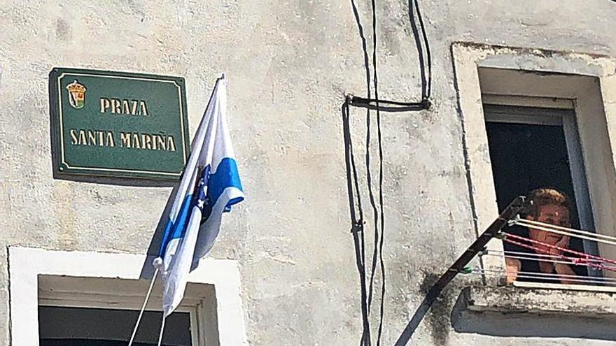 Adiós al penúltimo símbolo franquista en Xinzo