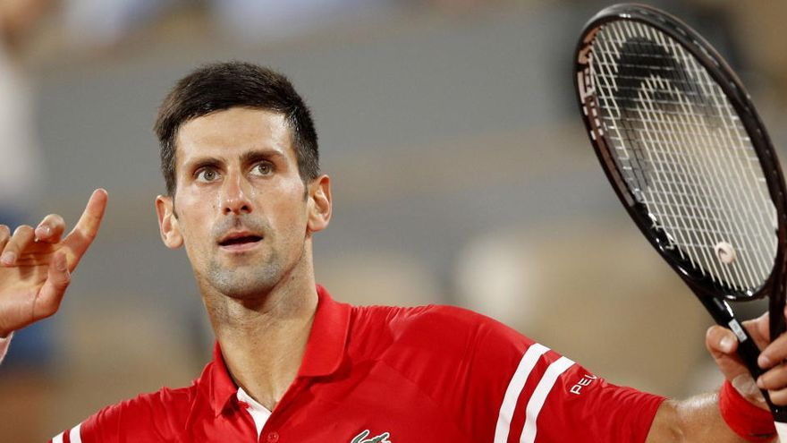 Novak Djokovic spielt das Doppel bei den Mallorca Championships