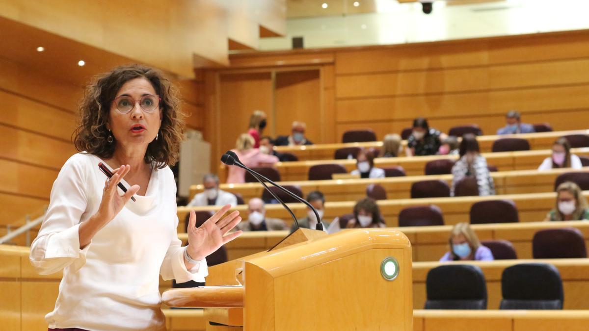 La ministra de Hacienda y Función Pública, María Jesús Montero, en el Senado.