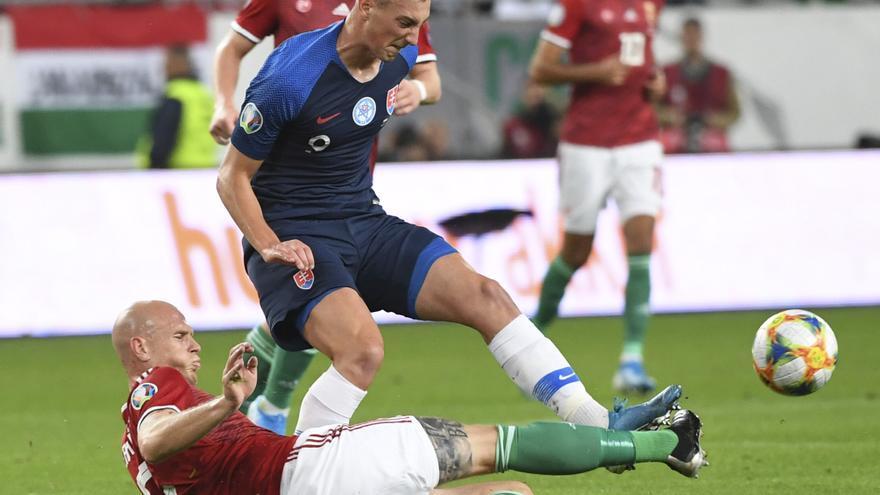 La selección de Eslovaquia sufre dos positivos de coronavirus en plena Eurocopa