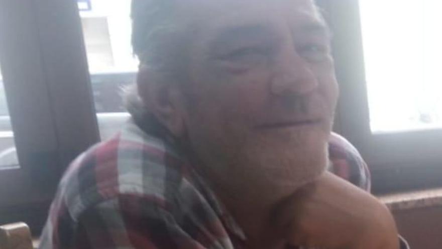 """Fallece Julio Paleo, un policía nacional muy """"conocido y querido"""" en Mieres"""