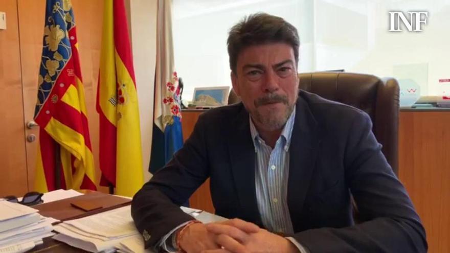 Barcala anuncia la suspensión de las Hogueras 2020