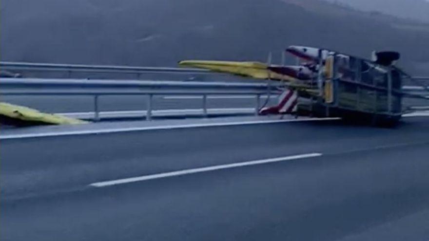 Accidente de tráfico en el Huerna: Saúl Craviotto y cuatro compañeros de piragüismo sorprendidos por el fuerte viento