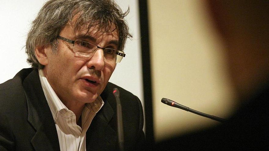 """El historiador de la economía Germán Ojeda presenta esta tarde su libro """"Patrias queridas"""""""