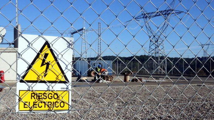 Red Eléctrica estudia soterrar part de la línia de la MAT amb la subestació de Juià