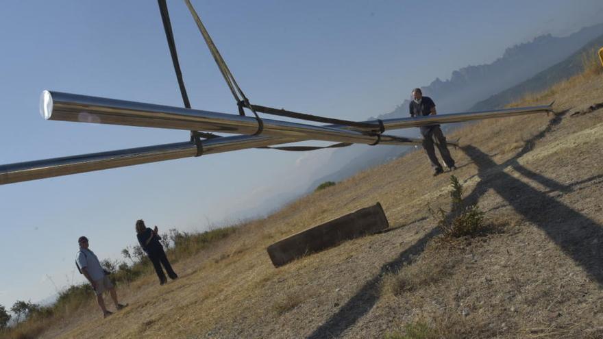 Instal·len una gran escultura, de 12 metres d'alçada, al parc del Secà de Manresa