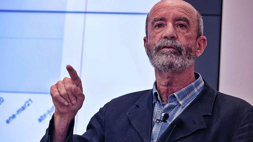 Santiago Pérez critica a su gobierno por la demora del dinero para el Plan General