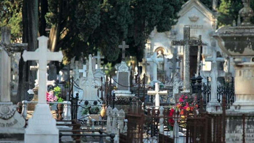 El cementerio de La Salud cerrará por las tardes durante el verano