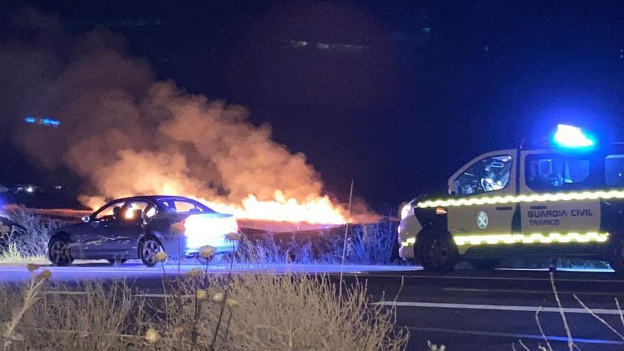 VÍDEO | Incendio en la carretera de La Hiniesta de Zamora