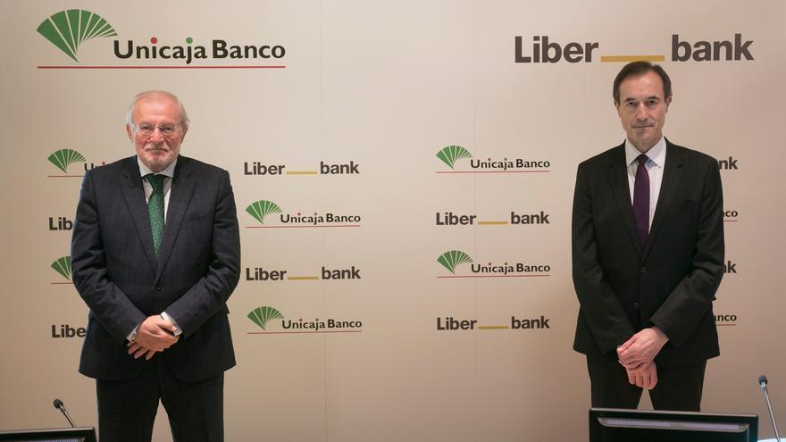 Los accionistas de Liberbank y Unicaja aprueban la fusión que da lugar al quinto banco español