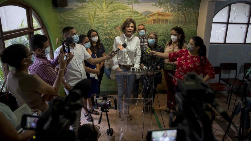 """Chamorro critica el """"rosario de violaciones"""" en el arresto de dos excolaboradores"""