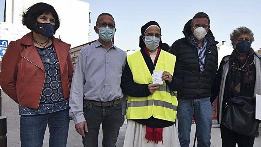 El Rotary Manresa-Bages dona a la fundació de sor Lucía 1.600 euros en gasolina