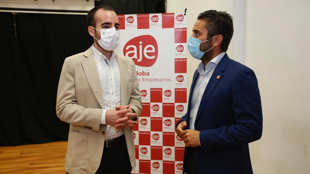 Ángel Herrador y Félix Almagro, antes de informar a los empresarios.