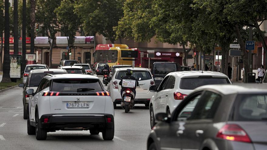 La contaminación del aire por el humo de  los coches se duplica desde el confinamiento