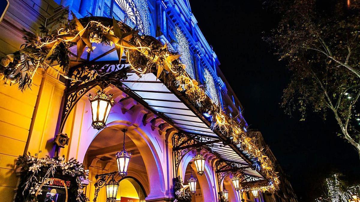 El Gran Teatre del Liceu de Barcelona amb artesania floral per Nadal