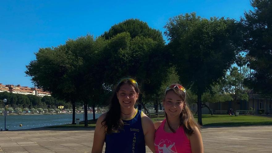 Las asturianas Carla Corral y Andrea Rodríguez, preparan en Sevilla el Europeo júnior de piragüismo