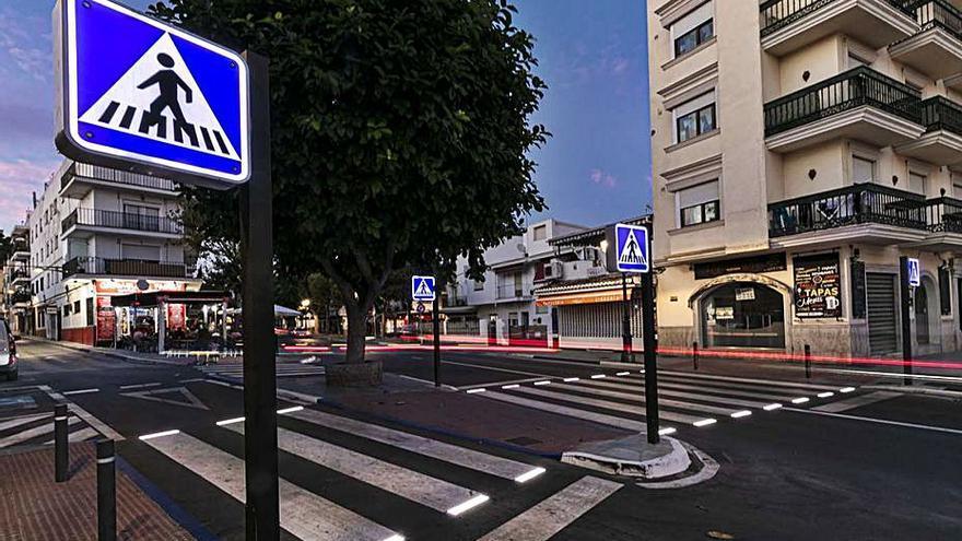 Pasos de peatones inteligentes en la avenida Pablo Ruiz Picasso de Marbella