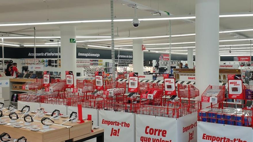 MediaMarkt inaugura dues noves botigues a la Costa Brava