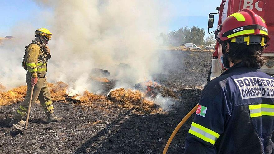 Nuevos incendios forestales en Valdescorriel y Villanueva de Azoague