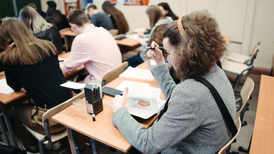 Los alumnos podrán sacarse el Bachillerato con un suspenso si su nota media es superior a 5