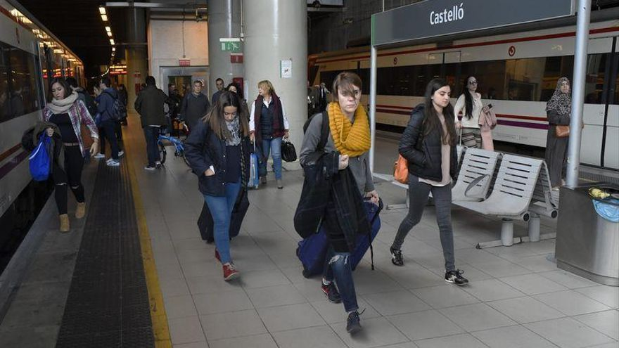 El PP de Vinaròs denuncia que Renfe cobre precios distintos para un mismo tren