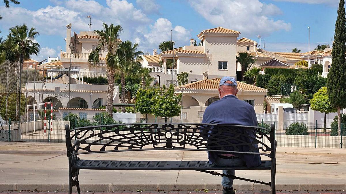 La ausencia de actividad y la soledad perjudican la salud de los mayores. |   // AXEL ÁLVAREZ
